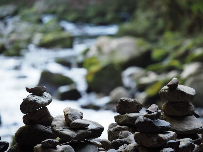 天安河原。神秘的な雰囲気
